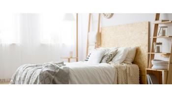 Металлическая или деревянная кровать: какая лучше?