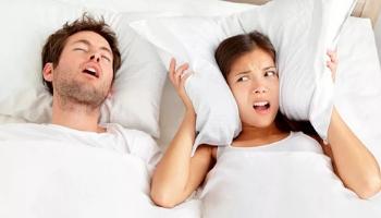 Может ли подушка избавиться от храпа?