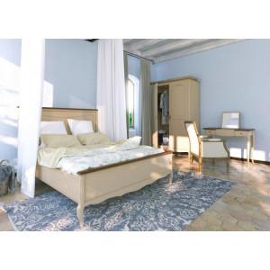 Интерьер спальни Leontina с зеркалом